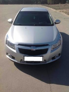 Chevrolet Cruz,2012