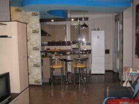 Сдам в аренду на длительный срок двухкомнатную квартиру в жилгородке Дзержинского района