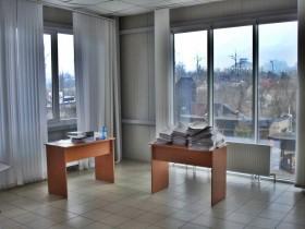 Сдается помещение под офисные кабинеты.
