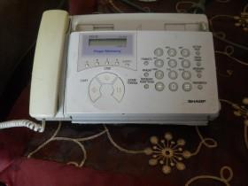 Продаю телефон-факс.