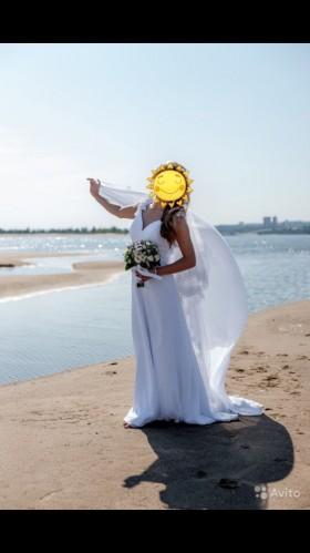 Продаю Шикарное платье фирмы Papilio белая роза.