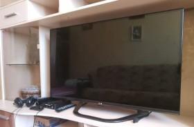 Телевизор LG 42 диогональ