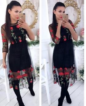 Продам красивое платье с розами