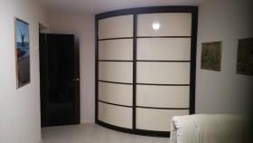 Радиусные и прямые шкафы-купе, мебель на заказ