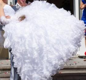 Свадебное платье для самой красивой невесты)