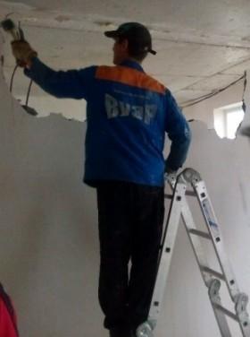 Демонтаж стен, балконных перегородок,вырез проема